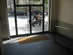 Puerta de entrada rehabilitada