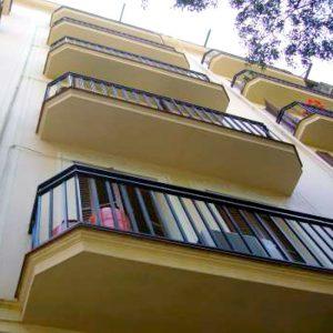 Detalle de balcones rehabilitado