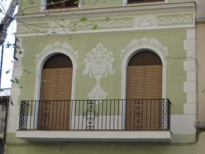 Detalle de los esgrafiados y balcones