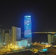 El primer edificio de Ecuador iluminado con luces LED