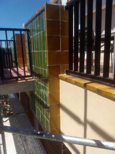 Detalle de paramentos_alicatado_y_losas_de_balcón
